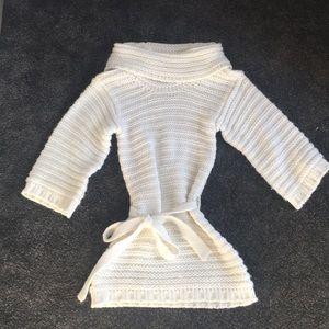 Bebe white knited tunic sweater